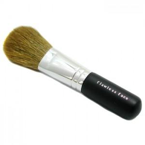 Кисть Flawless Face Brush
